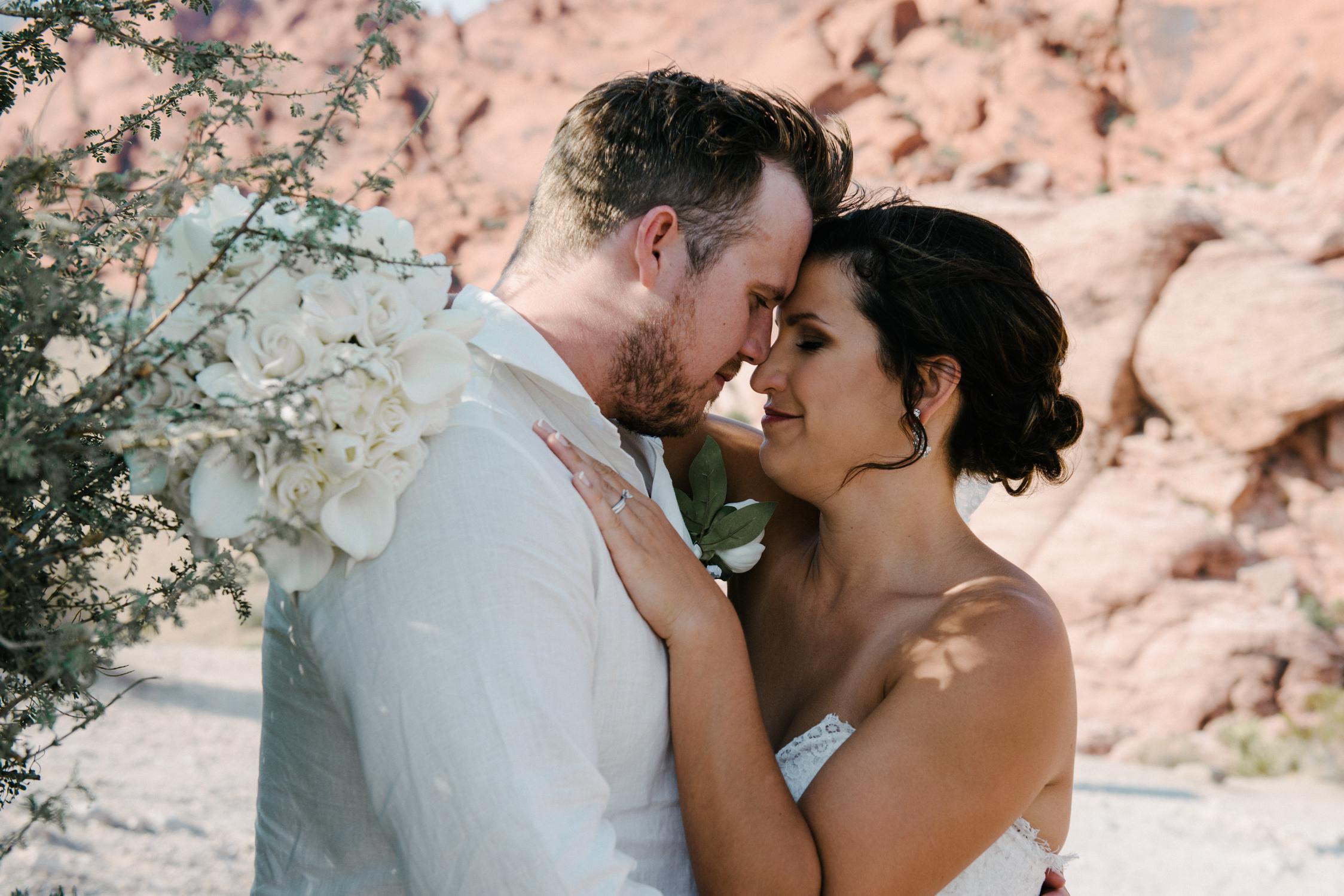 030_Redrock_canyon_vegas_wedding_photographer.jpg