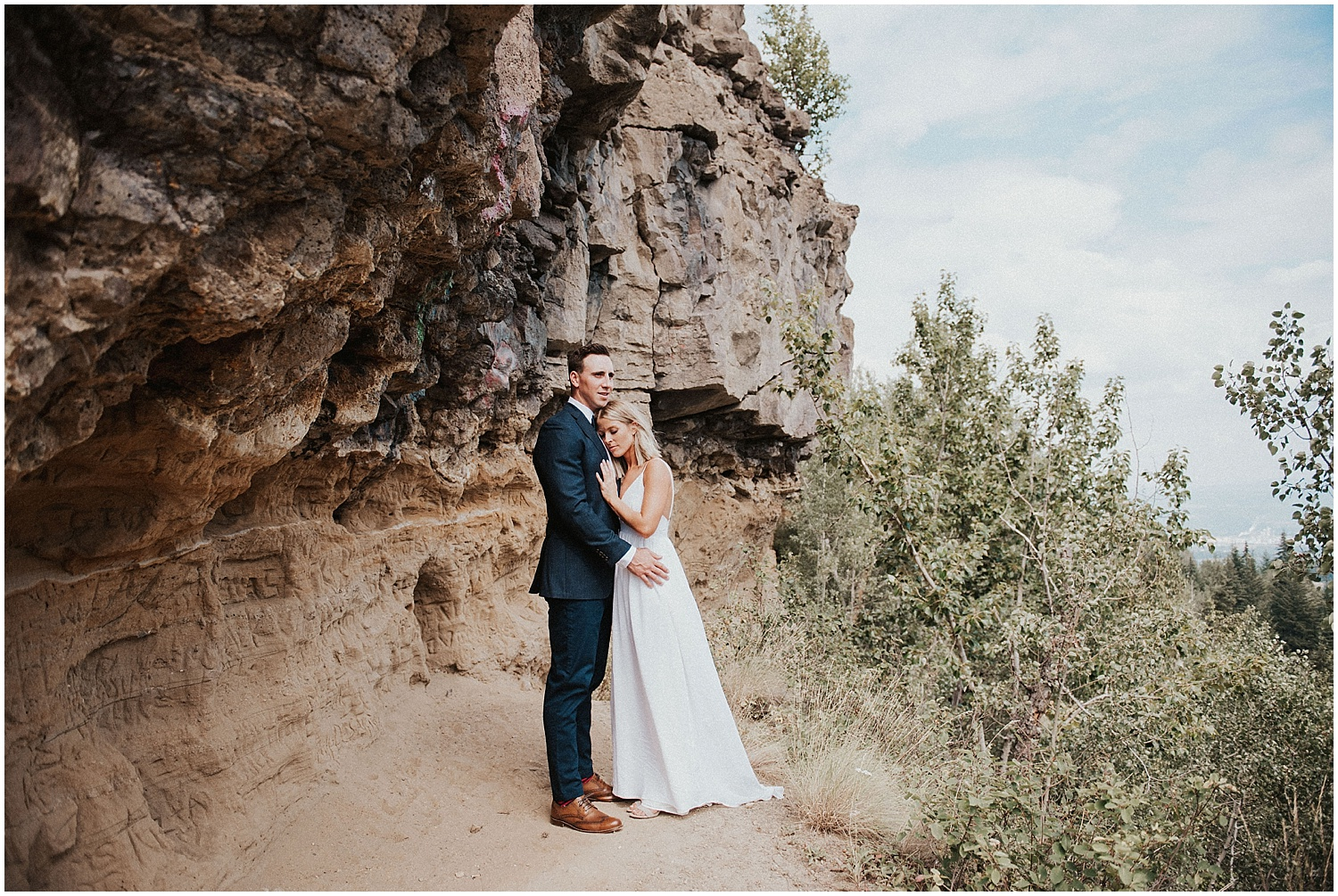 bc wedding photographer quesnel couple popping champagne fun photography pinnacles park lookout point