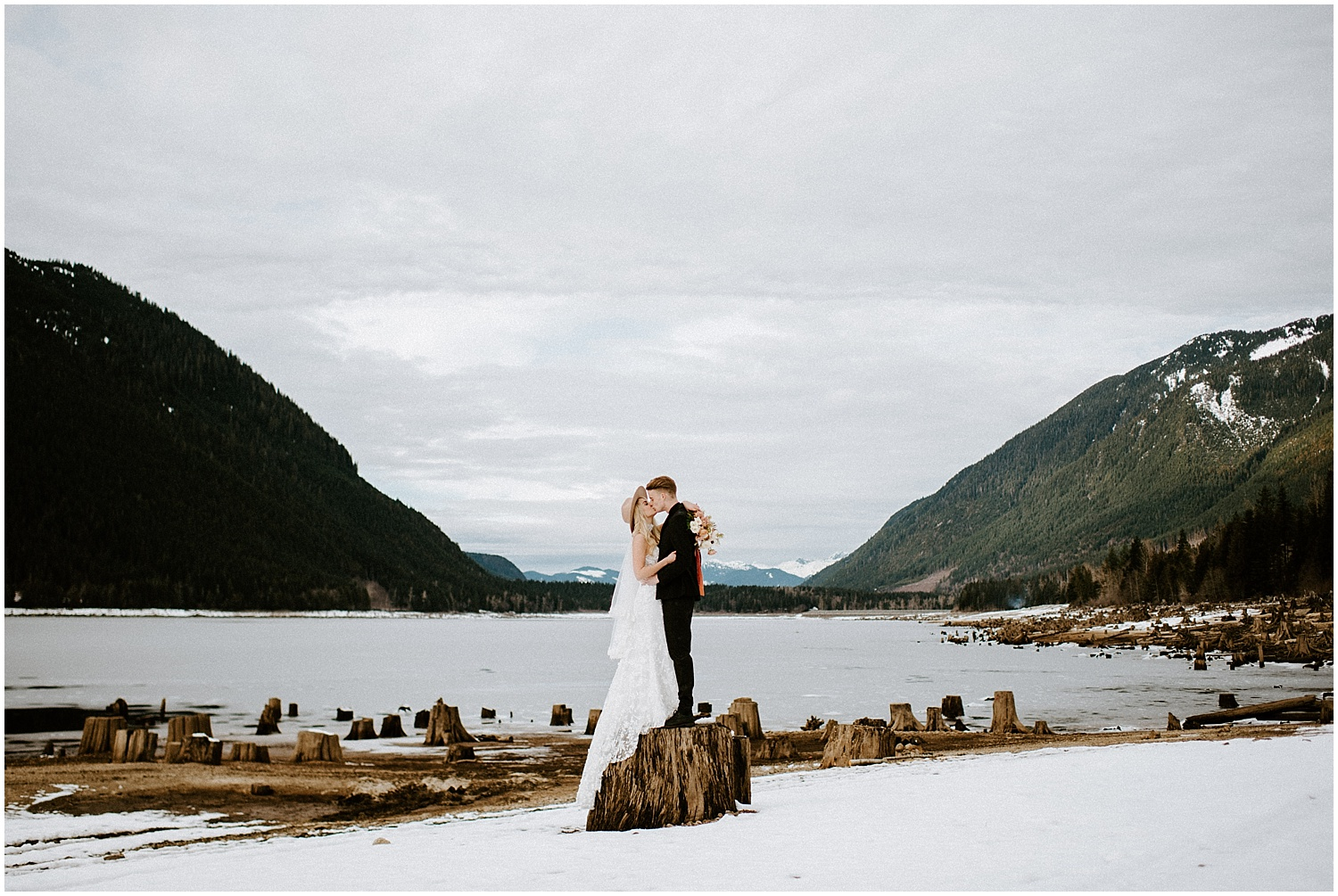 Jones_Lake_wedding_winter_elopement_vancouver_photographer_0255.jpg