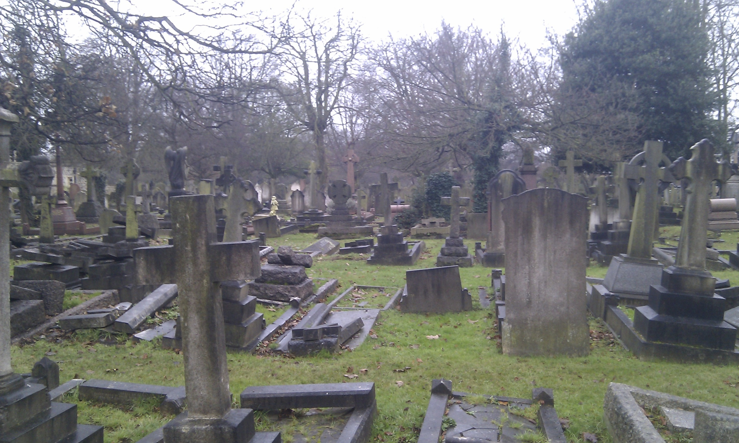 Hanwell_Cemetery,_London.jpg