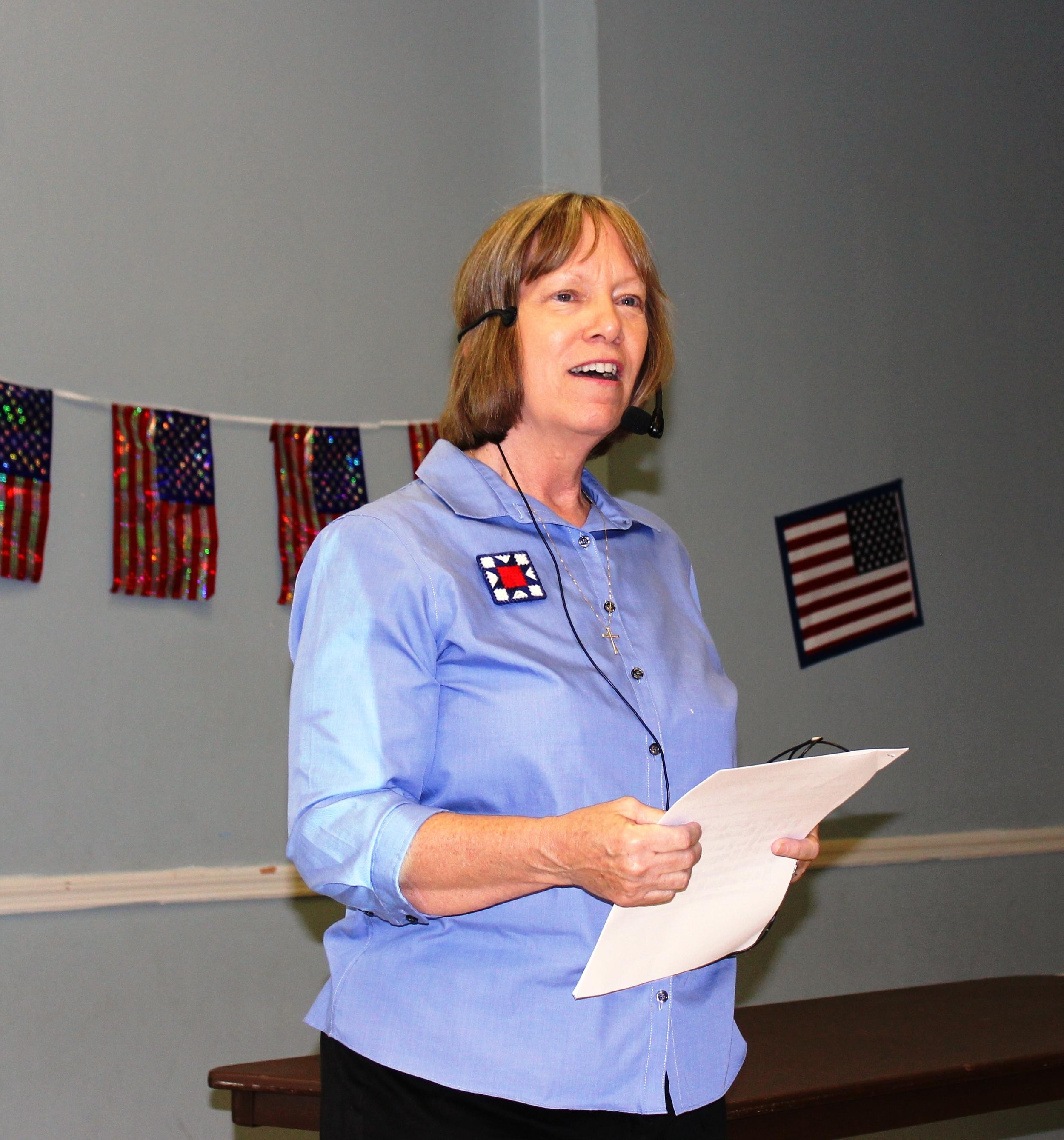 Sue Glasnapp describing QOV history July 2015.JPG