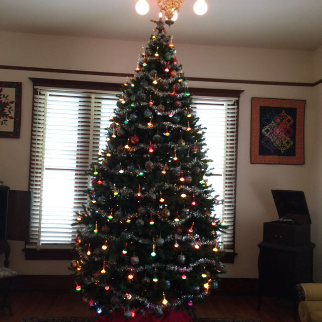 Christmas tree in Living room with  bubble lights.jpg