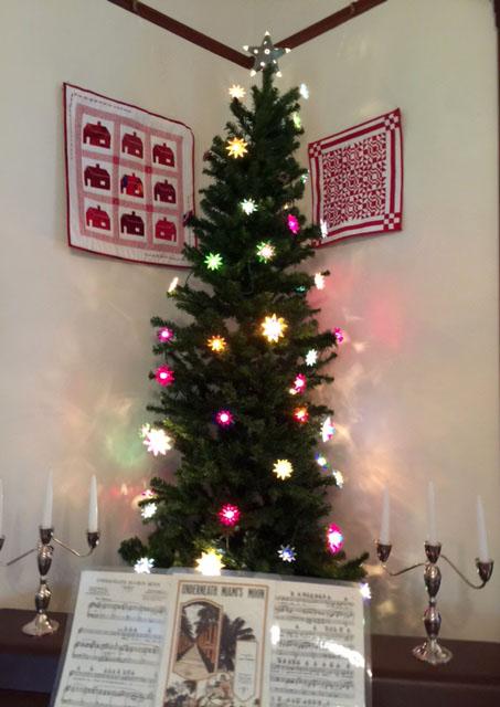 Tree with art Deco lights in Living    room.jpg