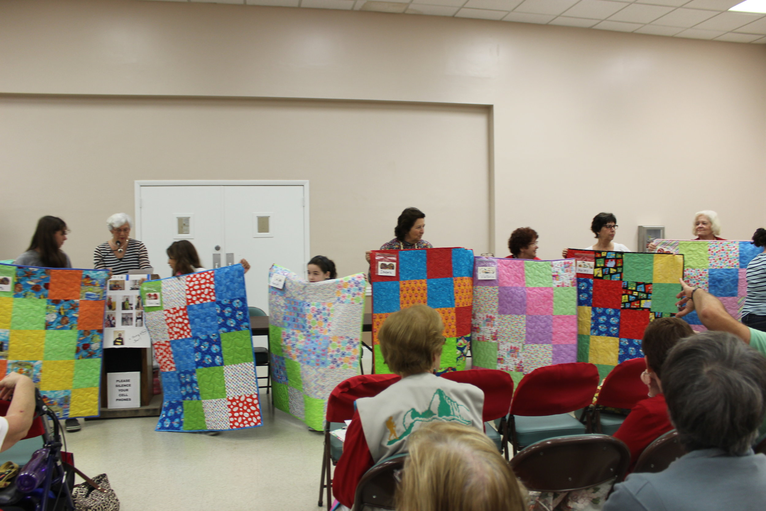 Patty Project Quilters December 2016 2.JPG