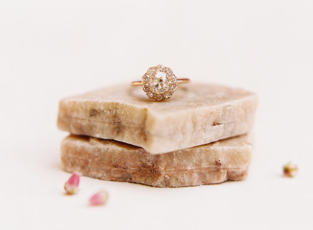 Vintage engagement Ring - Wedding Planning in Winnipeg