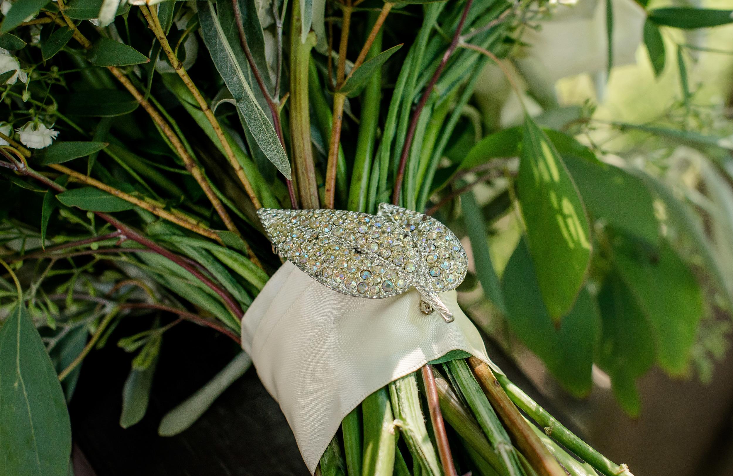 white bridal bouquet - winnipeg florist