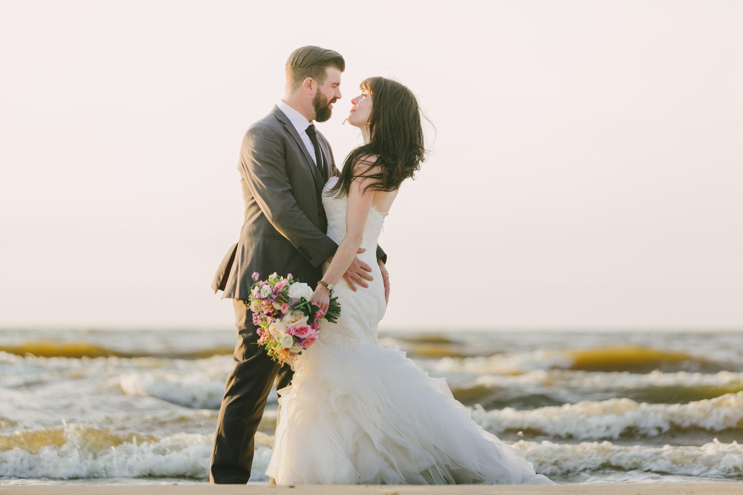 Beach Wedding Photos - Winnipeg Weddings