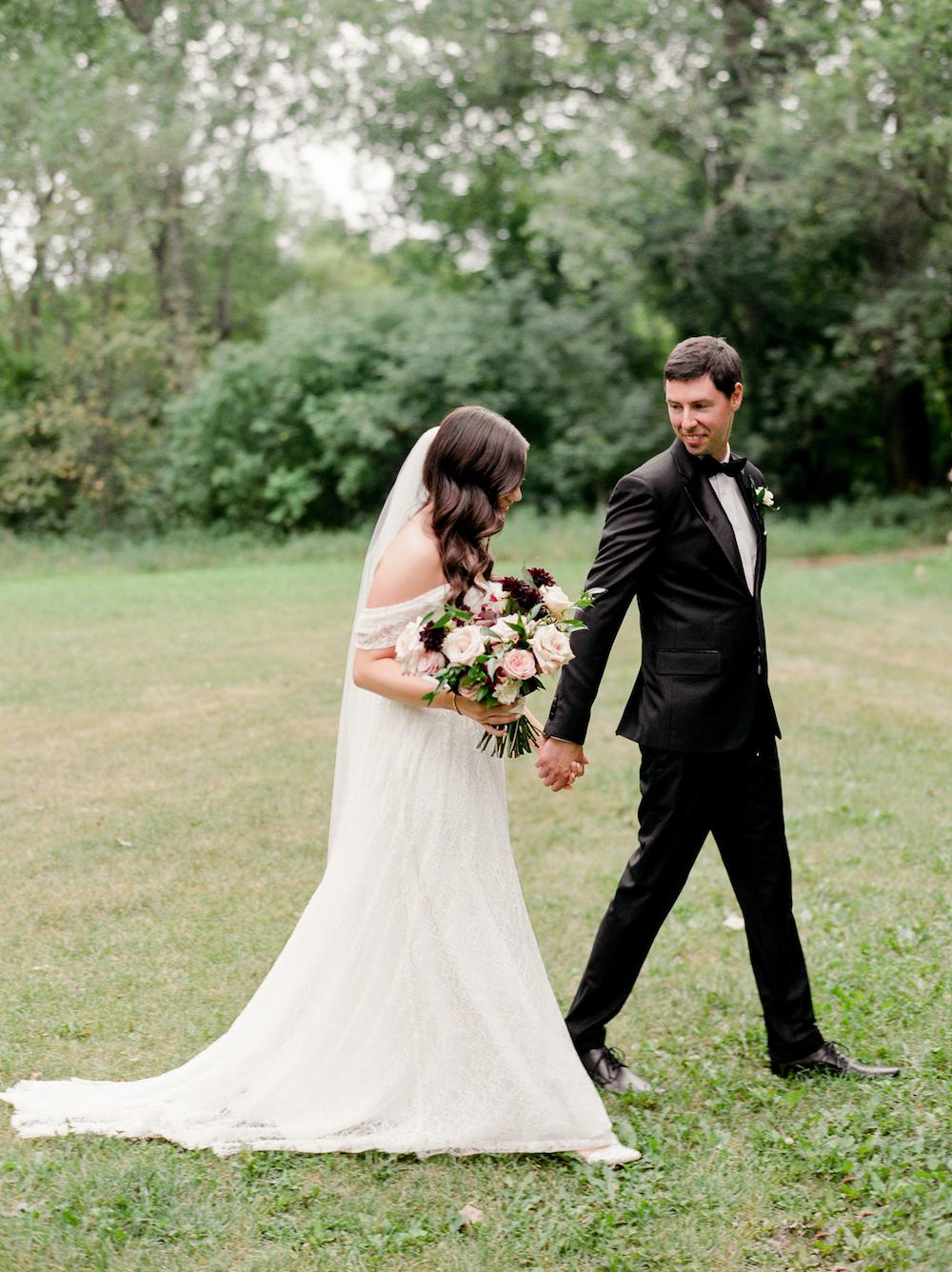 Romantic Wedding Photos Winnipeg - Weddings in Winnipeg