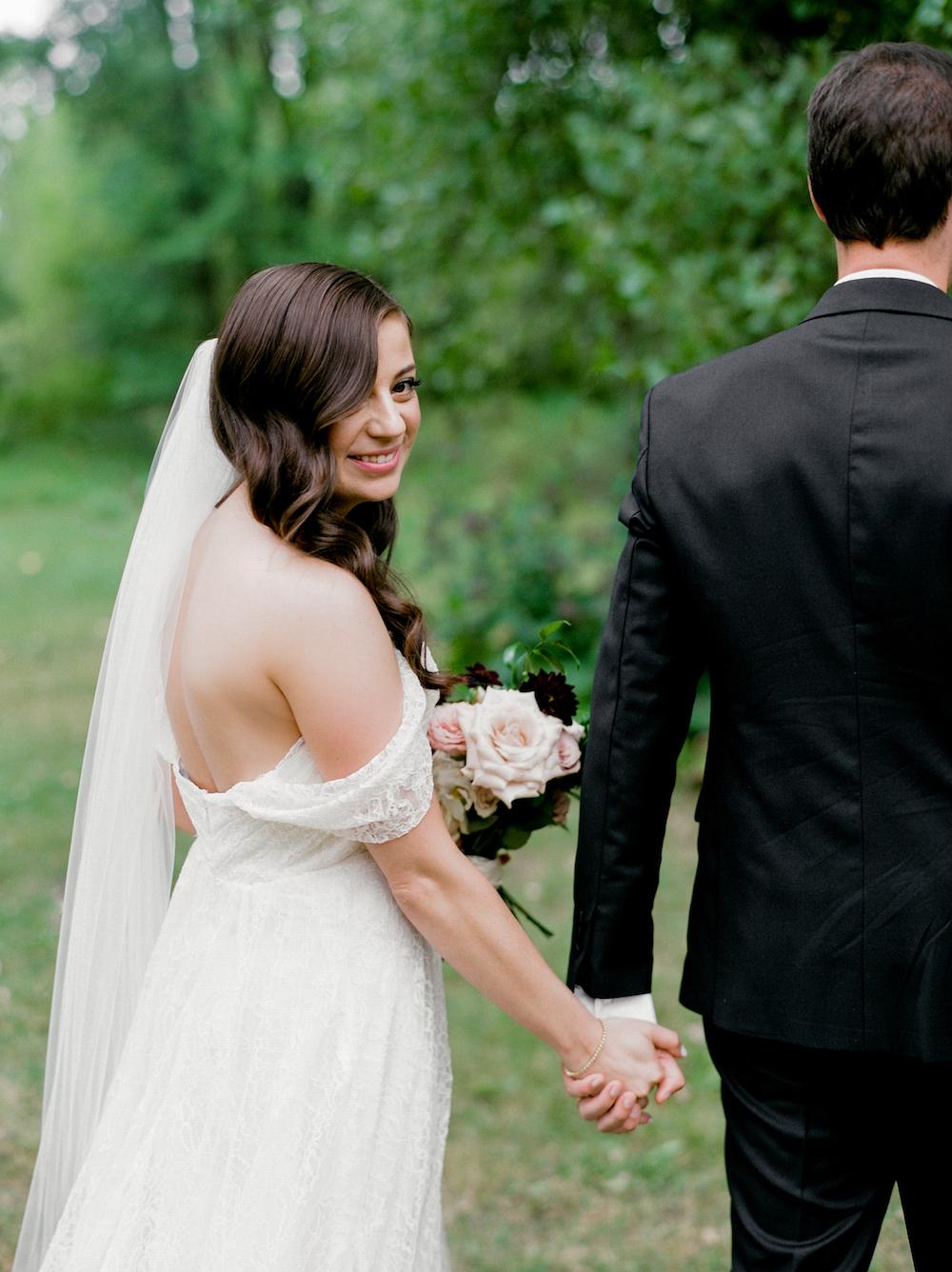 Outdoor Wedding Photos - Wedding Photographers Winnipeg