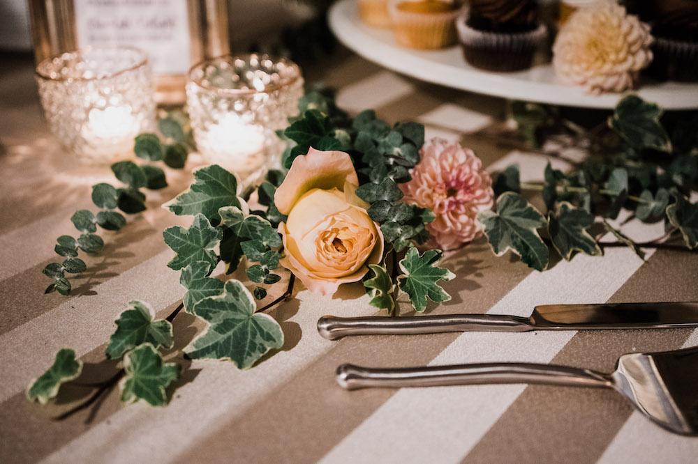 Wedding Flowers in Winnipeg - Cake Flowers