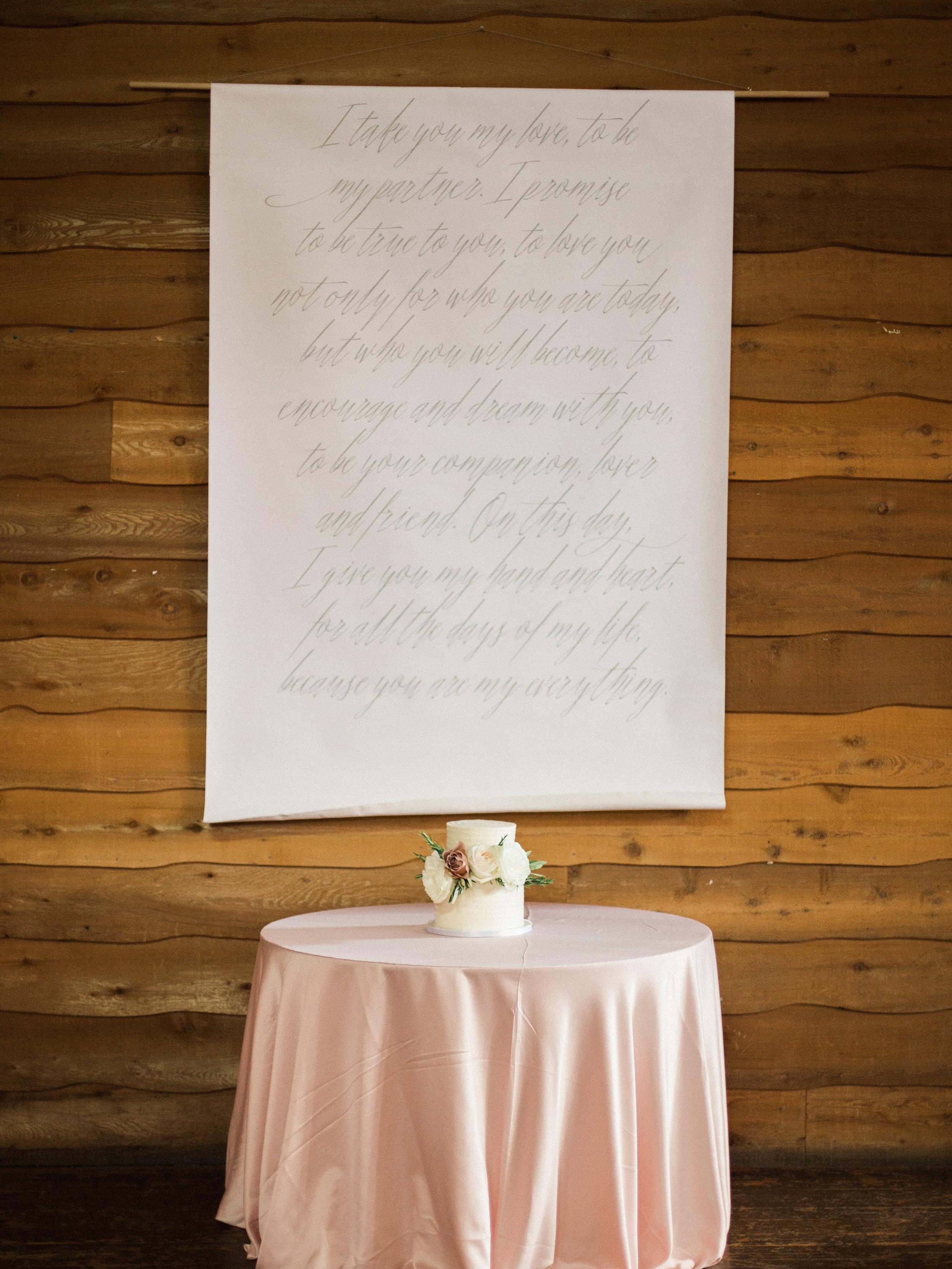 Elegant Wedding Cake - Fresh Flowers Wedding Cake