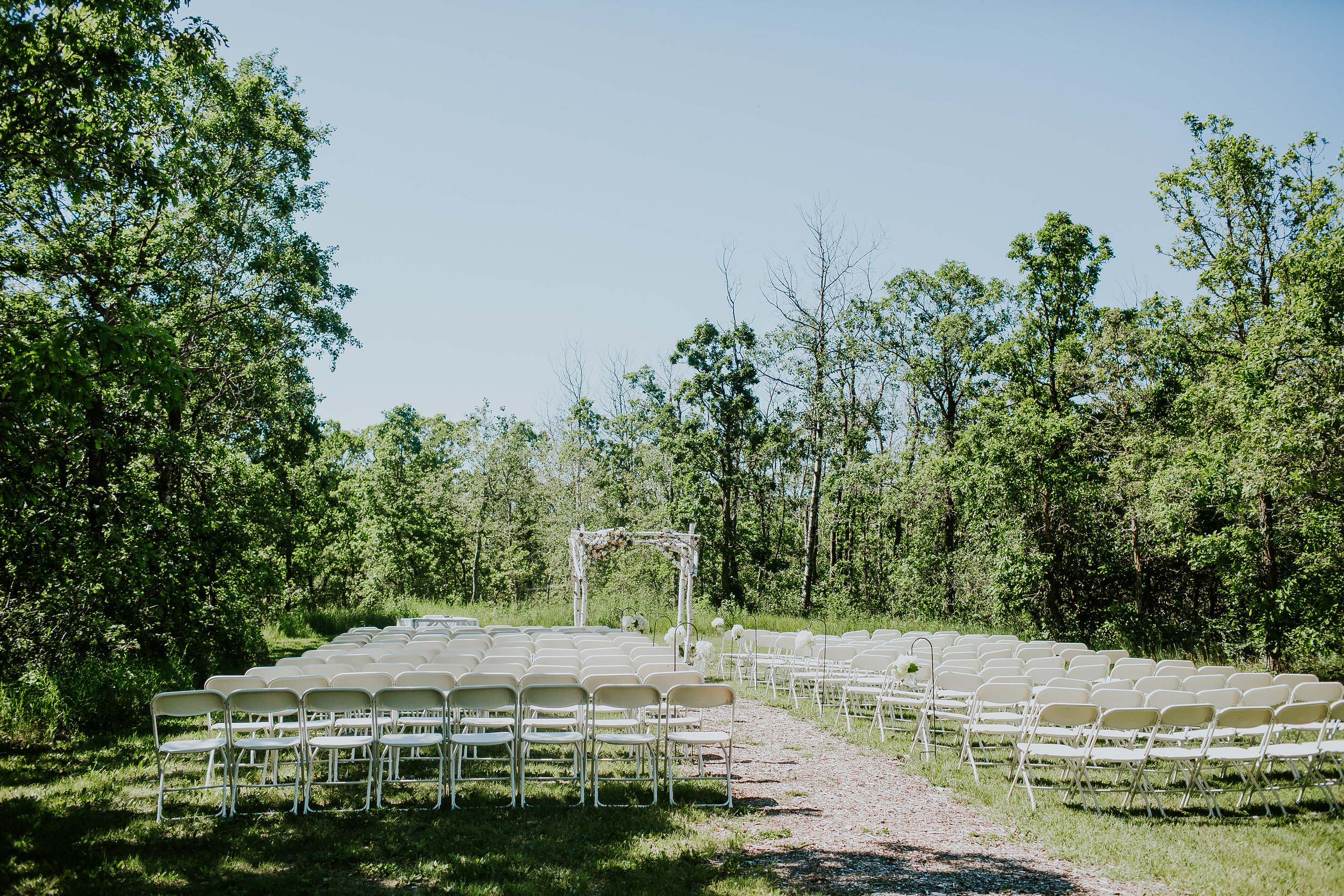 Outdoor Wedding Ceremony Winnipeg - Pineridge Hollow