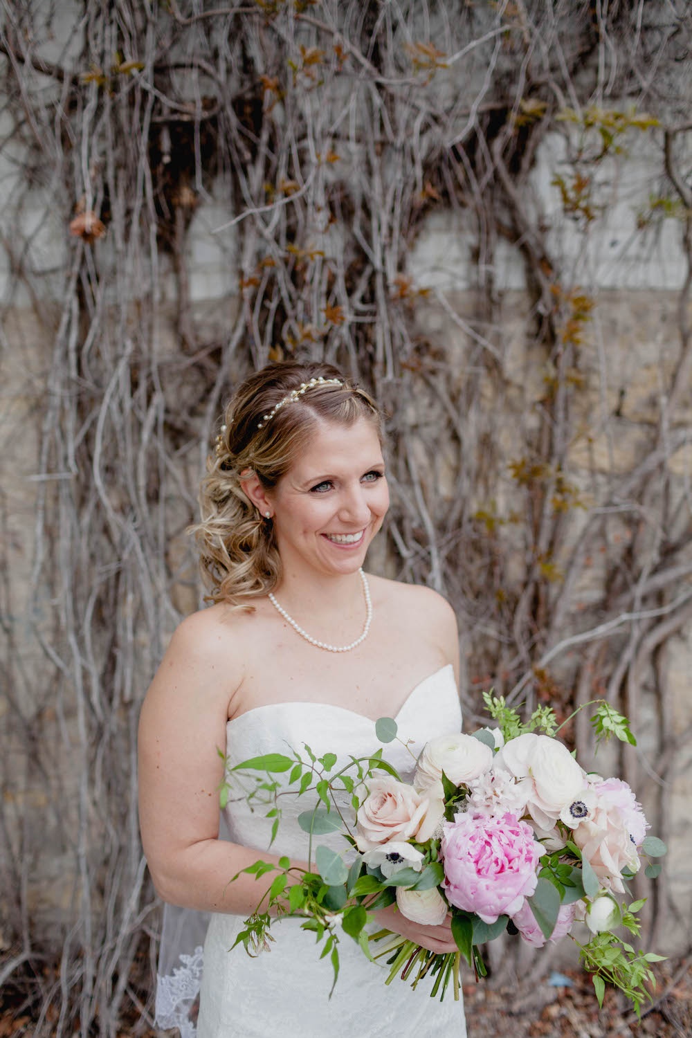 fairmont-winnipeg-wedding--wedding-florists-winnipeg.jpg