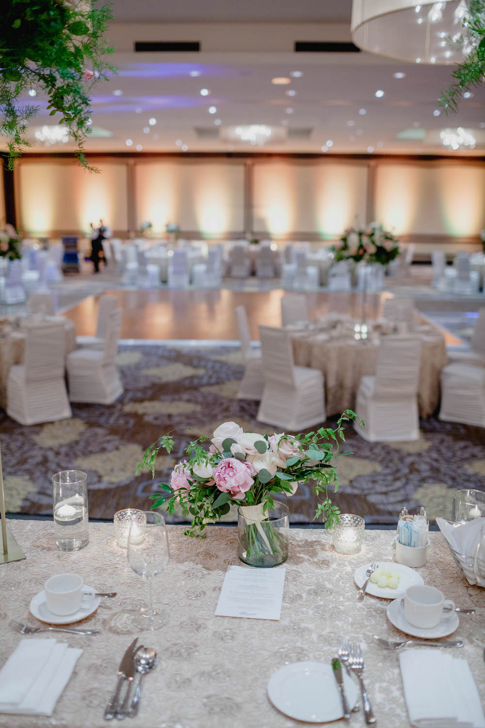 Fairmont-hotel-wedding-winnipeg--stone-house-creative.jpg