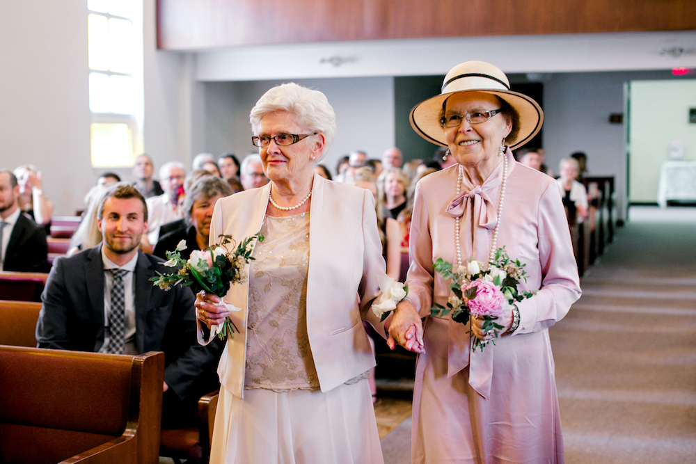 Flower Grandmas - Cute Wedding Ideas