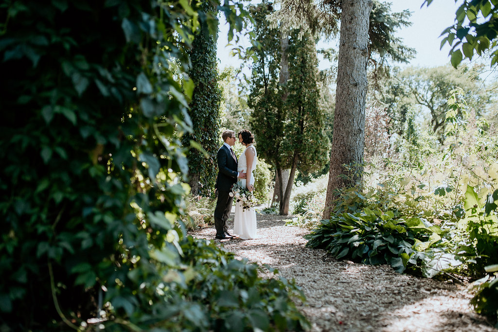 Assiniboine Park Wedding Photos - Winnipeg Wedding Photographers