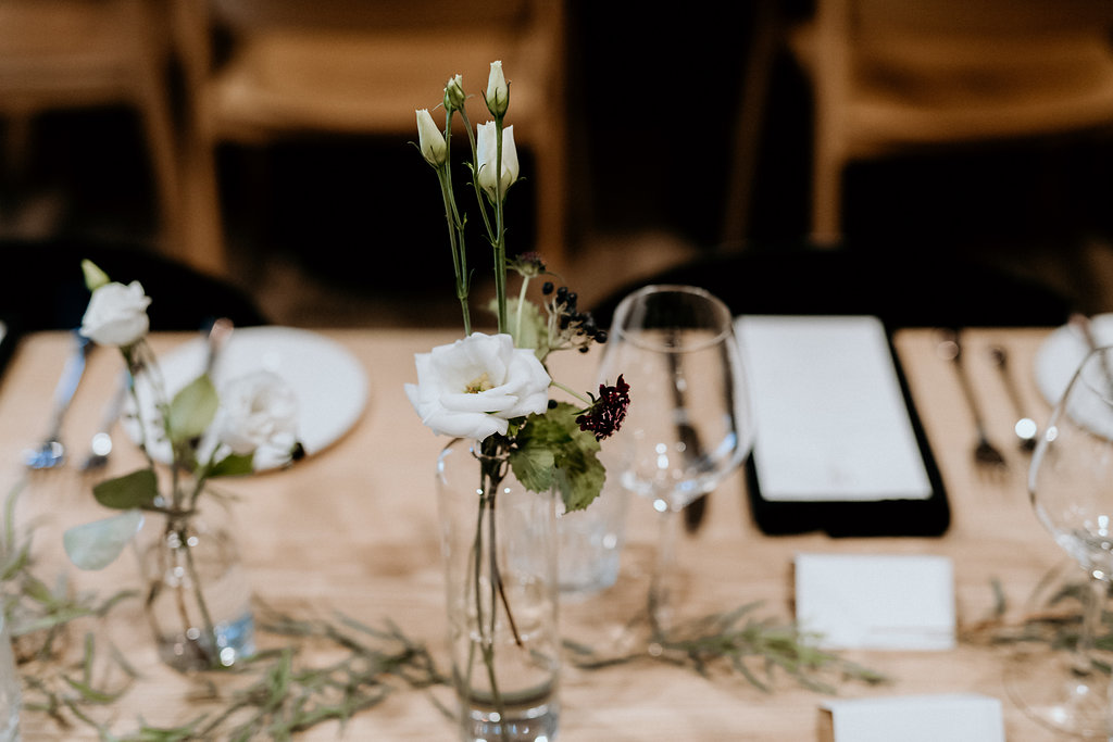 Minimalistic Wedding Flowers - Modern Wedding Flowers Winnipeg