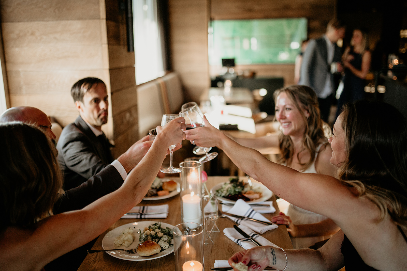 Restaurant Wedding Venues in Winnipeg - Winnipeg Wedding Florists