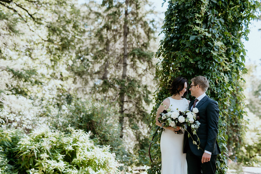 Modern Wedding at SMITH Restaurant - Winnipeg Wedding Florists