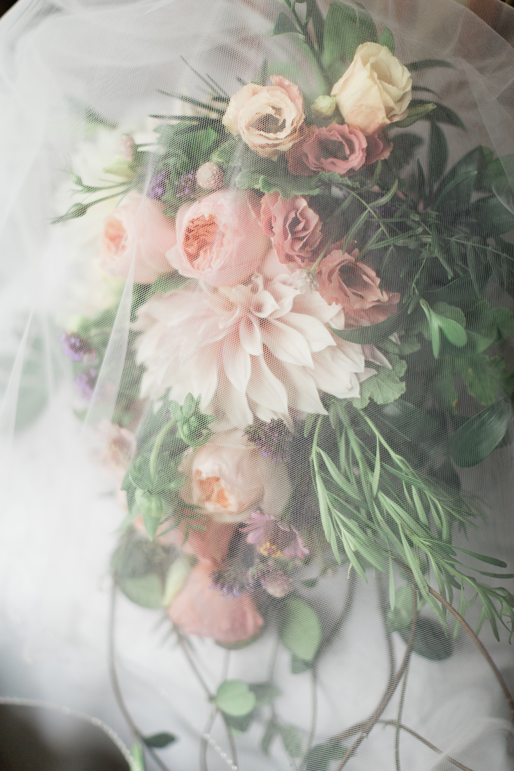 How to Keep your Bridal Bouquet Fresh - Wedding Flower Care