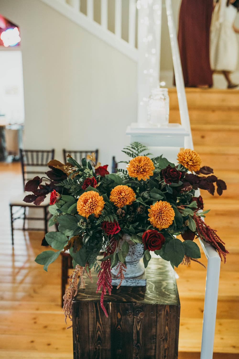 Fall Wedding Flower Ideas - Indoor Wedding Ceremony Flowers