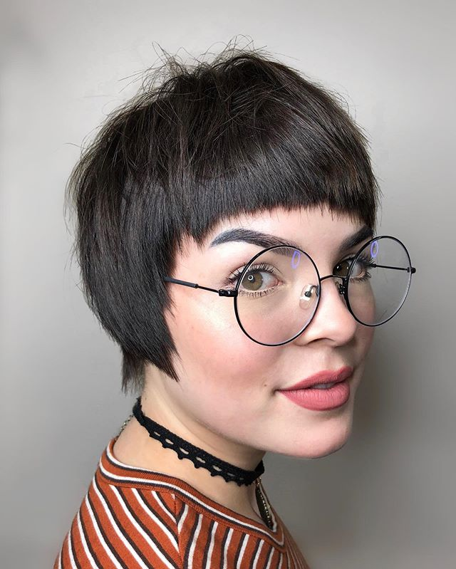 ✨ When you have a bob and bangs your whole life there is going to be a breaking point!! ✂️ @alexandracutme . . . . #pdxhair #pdxhairstylist #pdxstyle #sassoon #kevinmurphy #hairbrained_official #shorthair #bangs #crueltyfreebeauty