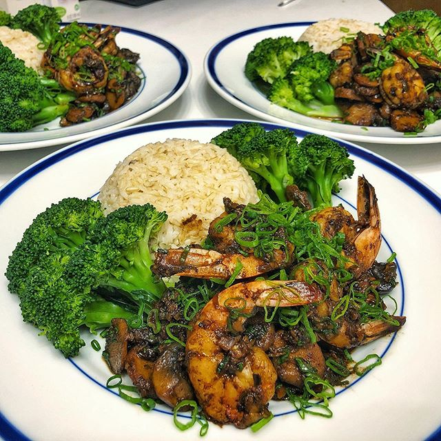 Restorative dinner tonight at home. Prawns with fermented black beans, loads of ginger, garlic and scallion, black mushroom and water chestnut. Steamed broccoli with aminos and brown rice. I wish all healthy meals could taste this good.