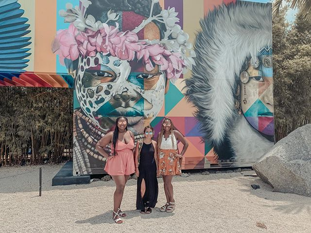Life is a lot better with these women by my side #spiritspiritspirit #comeonEd #hotgirlsummer