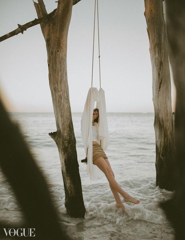Eleanor Schmidt - Im sad here - Vogue Italia.jpg