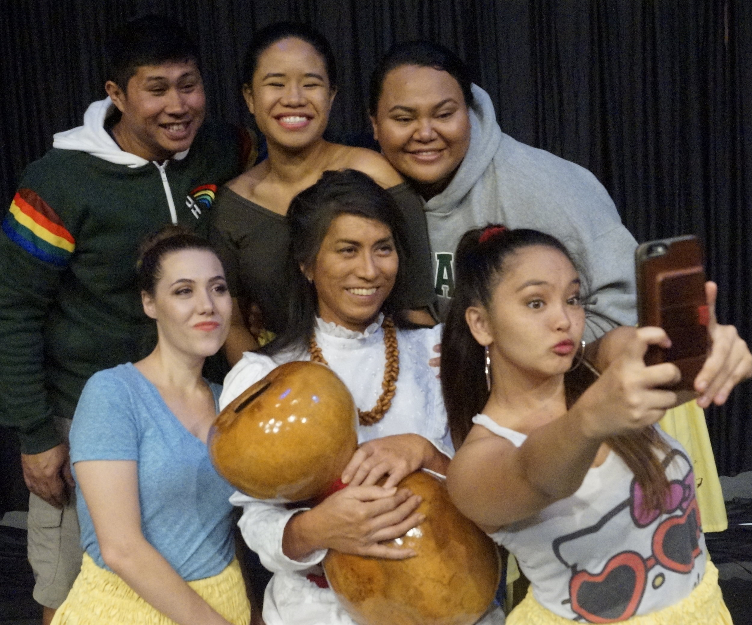 (L-R, T-B) Geph Albo, Anette Aga, Lelea'e Kahalepuna Wong, Jaime Bradner, Kahana Ho, Katja Berthold selfie.