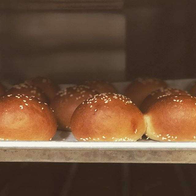 Slider buns! Happy weekend!👍☀️