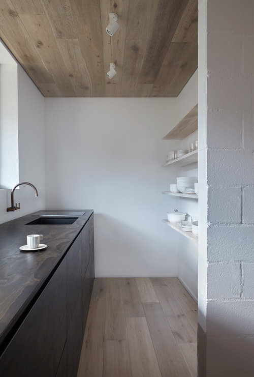 A minimalist style walk in pantry. If only mine would ever look this good. Note to self: get rid of excess junk in my life. | designed and photographed by:  Monique Easton