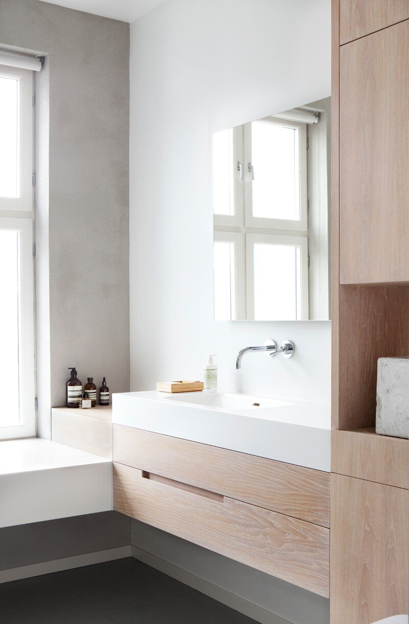 Utilising every inch of space in this bathroom, apartment loft in Oslo, Norway |  Haptic Architects