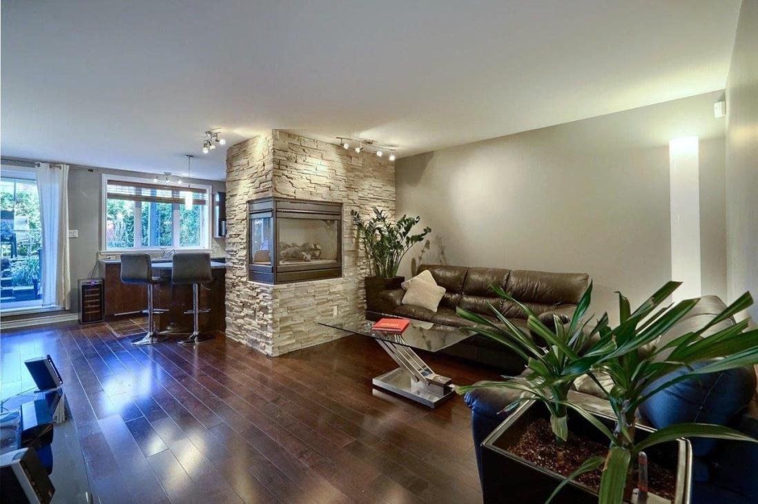 fire-place-living-room-4585-Ch-des-Prairies-app2.jpg
