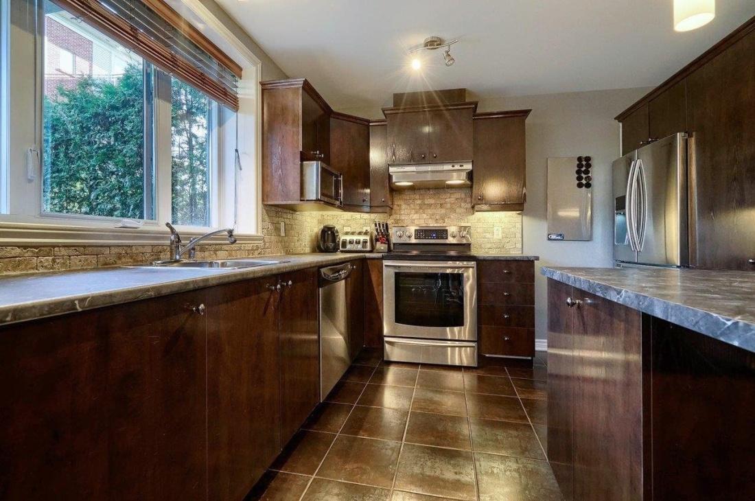 staineless-steal-kitchen-4585-Ch-des-Prairies-app2-brossard-qc.jpg