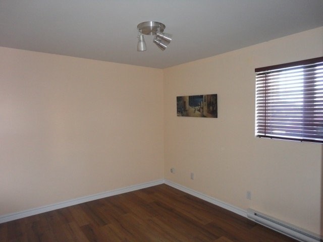 master-bedroom-4545-av-Colomb-Brossard-qc.jpg