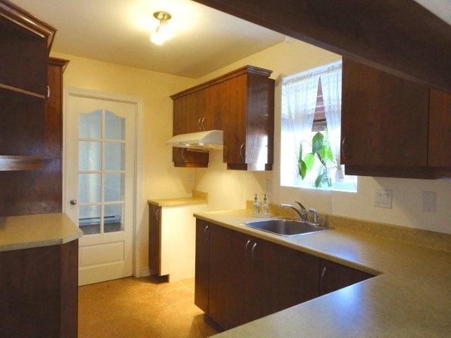 kitchen-2-4545-av-Colomb-Brossard-qc.jpg