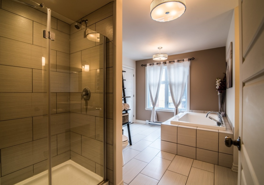 bathroom-6135-rue-de-lusa-app-5-brossard-qc.jpg