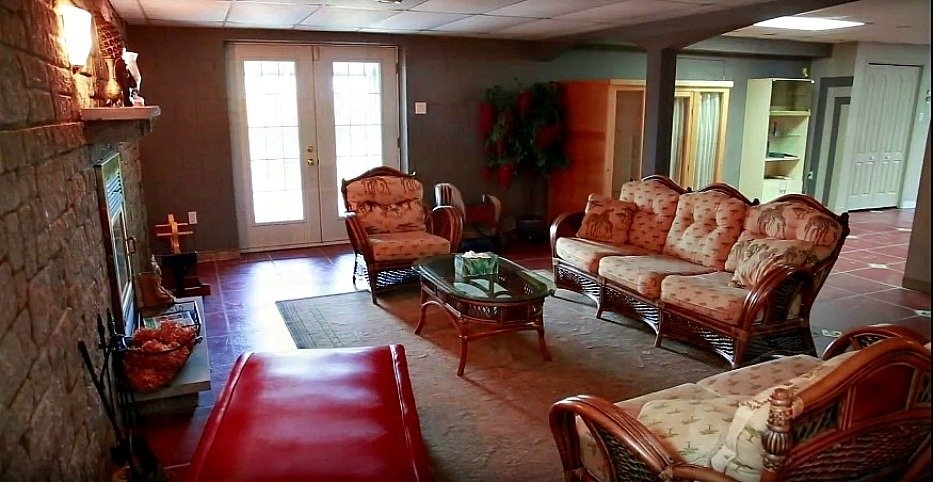 basement-living-room-exit-view-158-Mtee-Stevenson-Havelock-qc.jpg