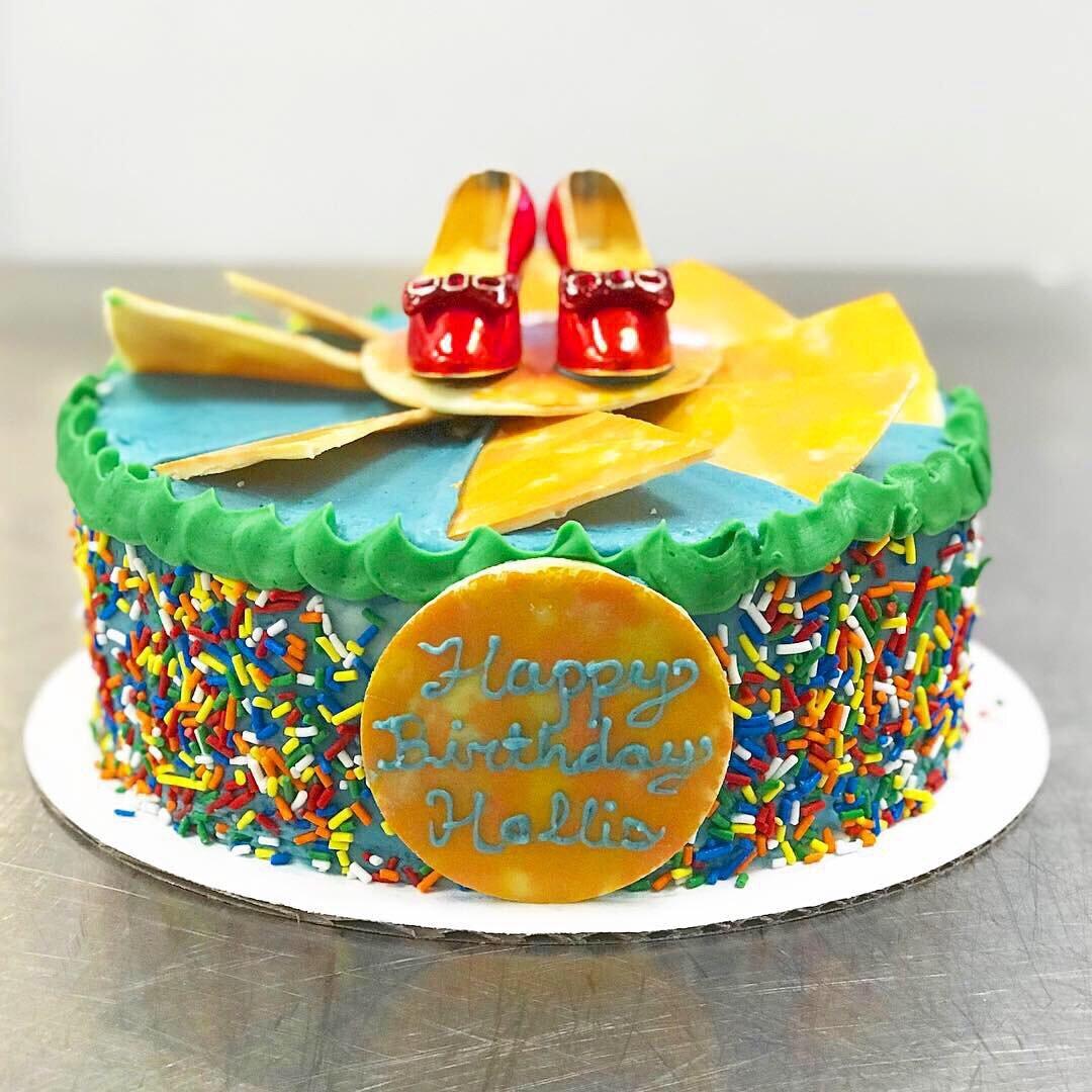 Wizard of Oz Cake 1.JPG