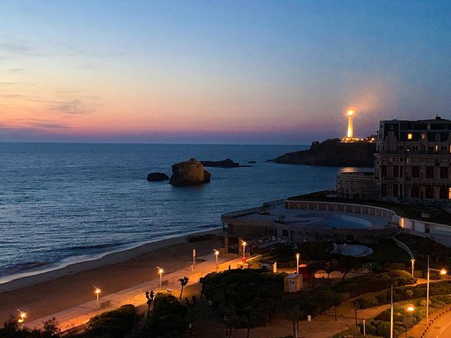 When I talk about France, I light up like this lighthouse 😍 … Which also happens to be in France! 🇫🇷 This was the view from the balcony of our Airbnb in Biarritz, and I couldn't get enough of it! 🤩 I would run out on the balcony a million times a day to see how it looked at sunrise, midday, sunset, dusk… I think I have enough photos and videos of the view to post this lighthouse every day for a month! 😂