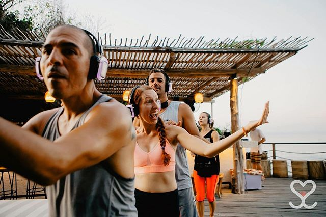 ^^Me inviting you to come talk about mindfulness and minimalism this Thursday with @ilovevolve 🙌⁣ ⁣ 📸: @secretsunrisebali — captured at a full moon sunset silent dance party in Bali! Thanks in large part to mindful minimalism, I collect more experiences (like this joyful dance celebration) and less things! 💃