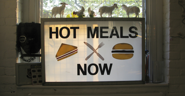Hot Meals Now - 5th Dec - 22nd Dec 2018Food served :Wed 6-9pmThurs - Sat 1-3pm 6-9pmSun - '12 Days of Christmas Feast'For December, our beloved Annie Nichols, otherwise known as 'Hot Meals Now', will be taking the reins in the Urchin Kitchen.In a festive build up, Annie will be teasing us into the Christmas spirit gently and warmly. With stews, French onion soup, pates, cannoli. She's got so many treats!——————Additionally, on Sunday the 9th & Sunday 16th December, we will be hosting a very special '12 Days of Christmas' feast. Whereby food theatrics are sure to take centre stage as Annie works her magical culinary spells, paired with wines and other alcoholic delights from us.——————To book email info@urchinwines.com