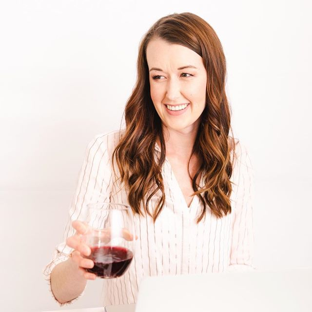 It's the weekend, girl! I'm surely feeling like treating myself to a glass of wine tonight to celebrate an accomplished week! ⠀⠀ Tell me what you accomplished this week! Big or small! ⠀⠀ #entrepreneurlifestyle #dontquityourdaydream #beyourownboss #womeninbiz #ipreview via @preview.app