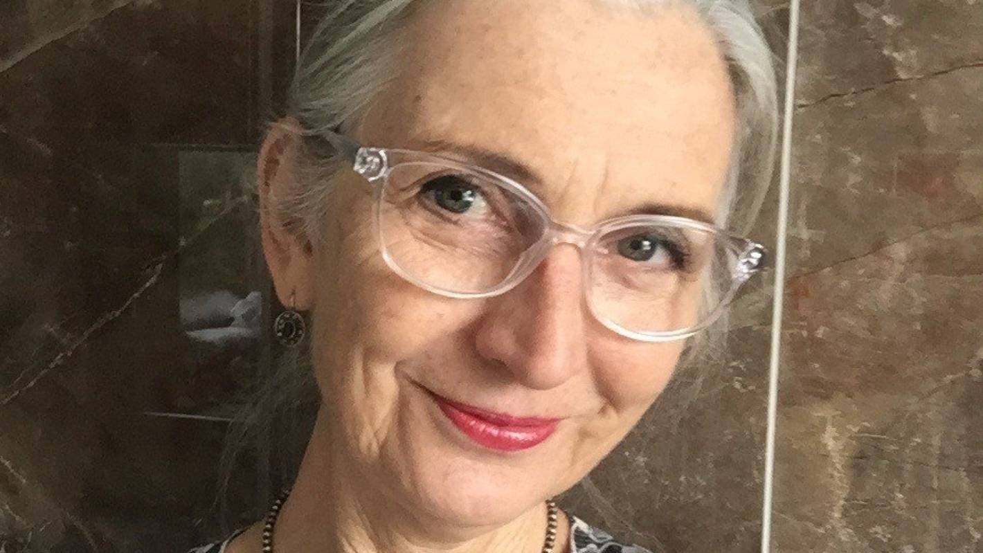 Dr Lois Tonkin