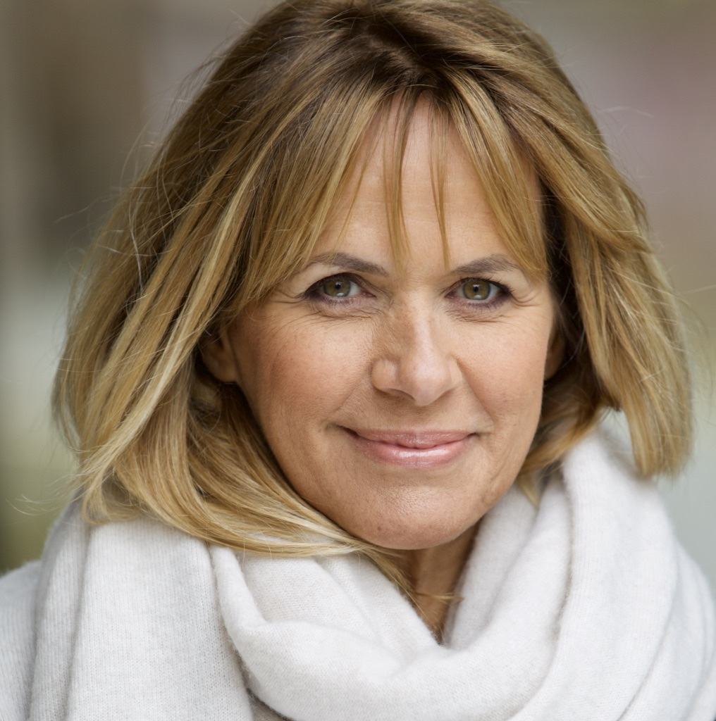 Carol Smillie now works as a humanist celebrant under her married name, Knight