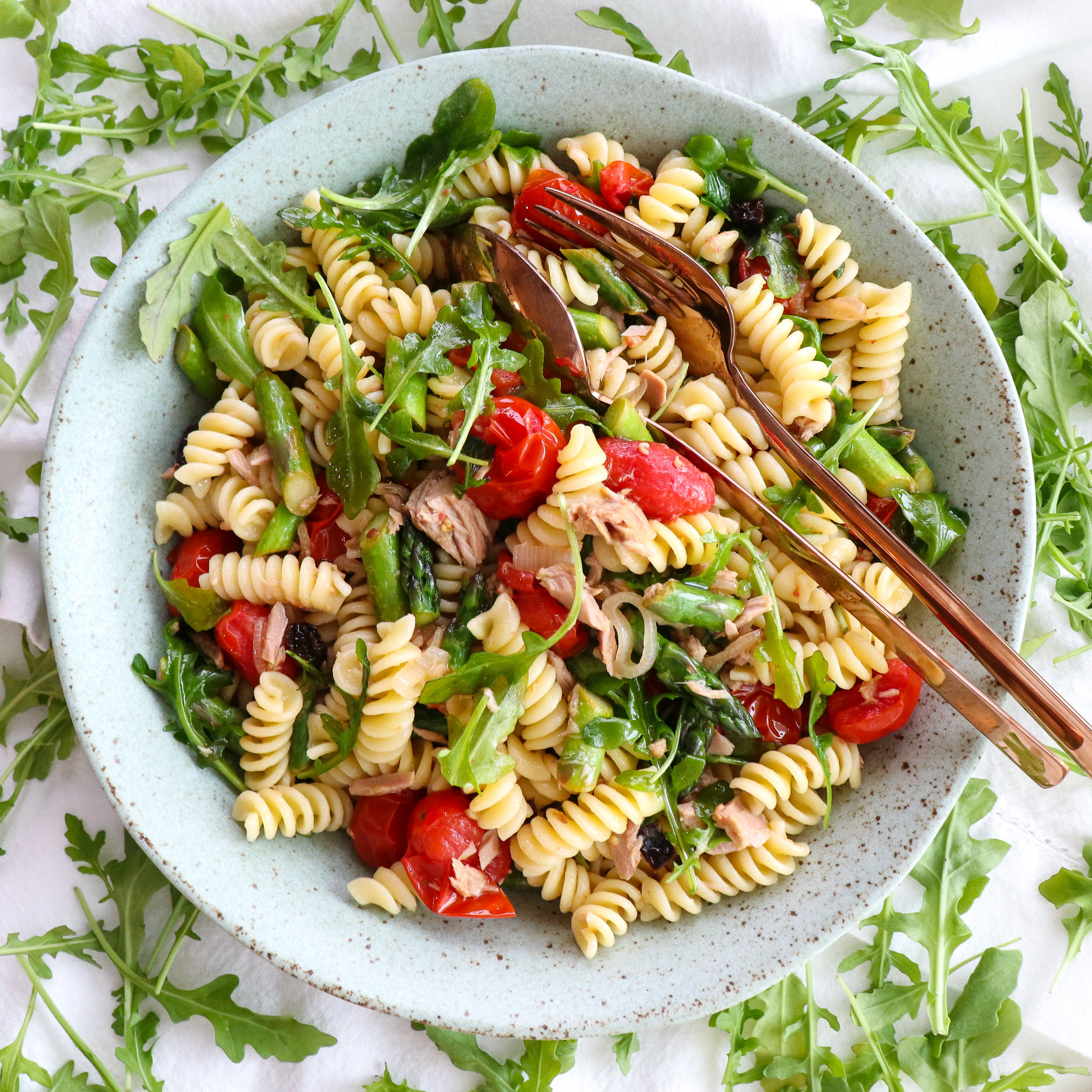 pasta with tuna, asparagus, tomatoes, and arugula.jpg