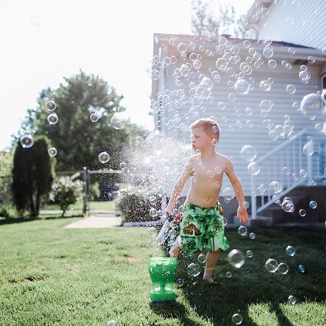 That split second when you're tempted to tell them to stop spitting, and choose to grab your camera instead 🤷🏼‍♀️💦 💙 Welcome to our Boy Mom Loop! There's something extra special about a bond between a mother and son. I have teamed up with an amazing group of mamas celebtating the joys of having boys!  Follow along the #boymom_loop  Next up is @shannonheick