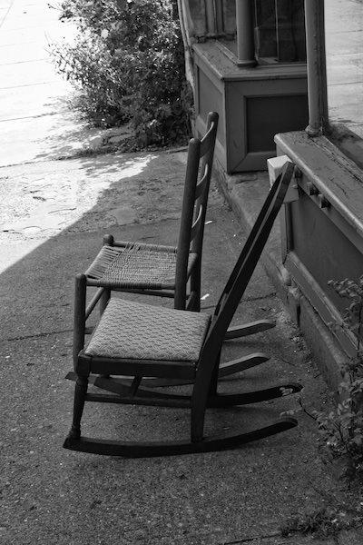 lawrenceville_rockingchairs