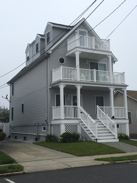 Belmar two and a half story for narrower lots